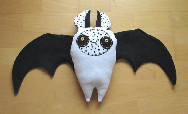 Bat flying free toy tutorial DIY