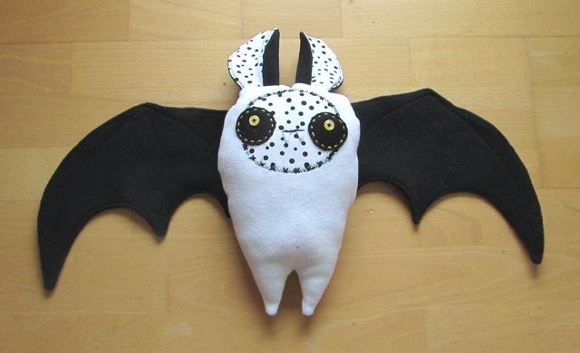 Bat flying free toy tutorial DIY