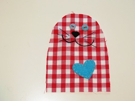 Bernie the cat toy free sewing pattern_step 2