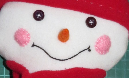 Free easy sewing pattern for snowman _ step 8