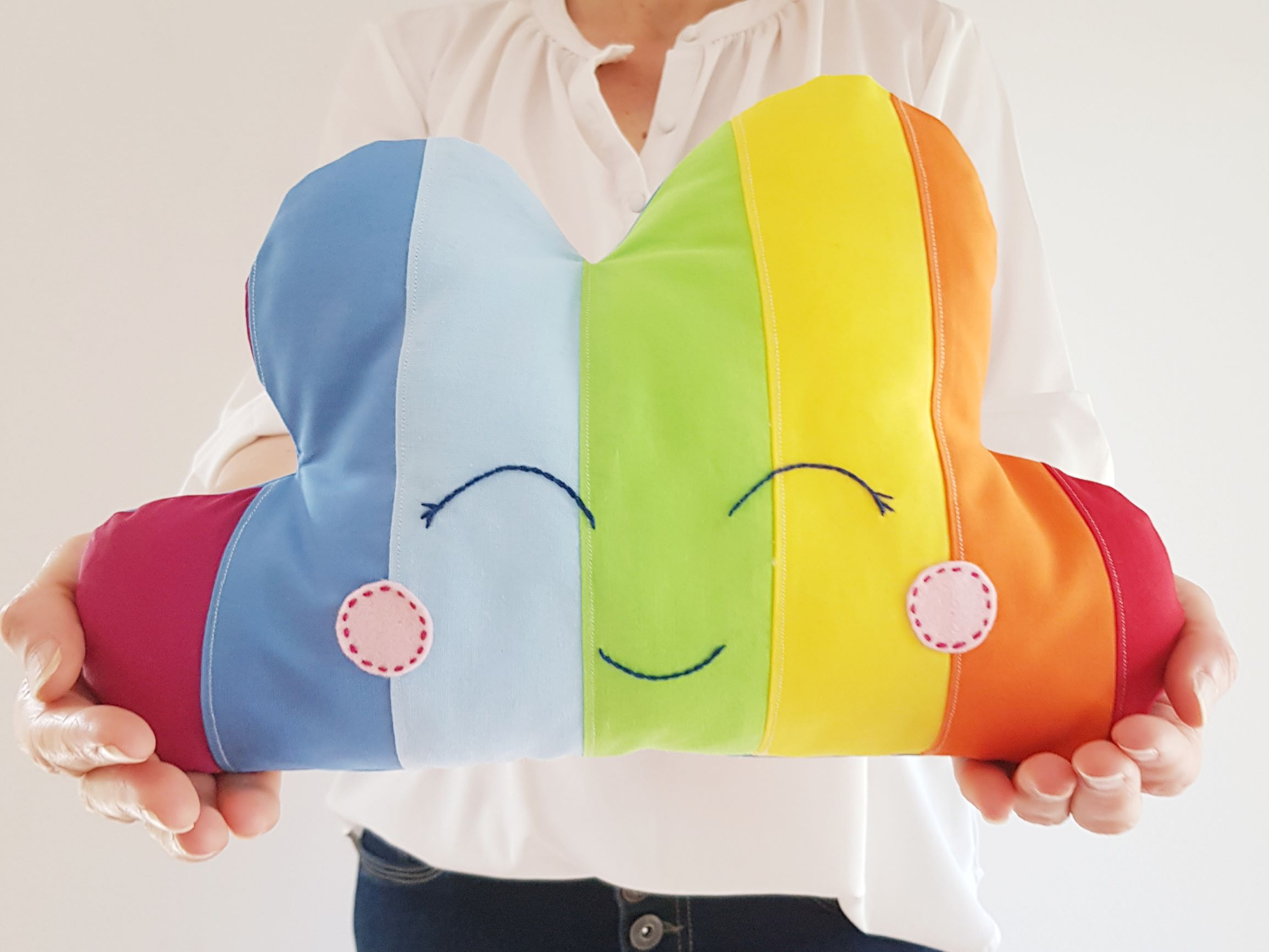 Rainbow pillow pattern